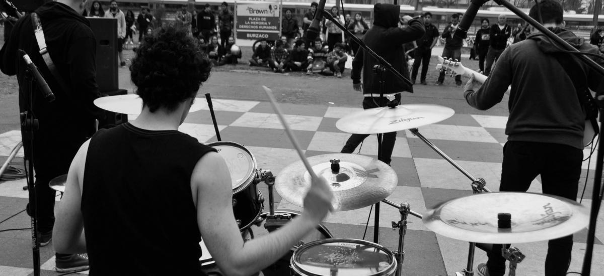 FESTIVAL HEAVY EN EL PLAYON DE LA ESTACION BURZACO