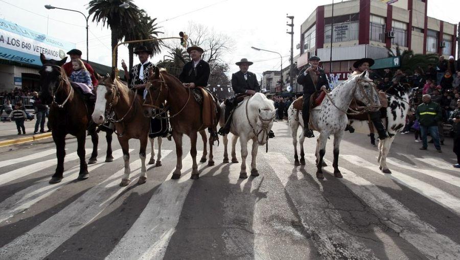 """Alte. Brown celebra el """"Día de la Tradición"""" con una fiesta y un desfile en Ministro Rivadavia"""