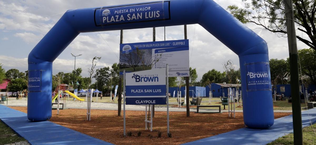 """Cascallares inauguró la renovada plaza """"San Luis"""" de Claypole"""