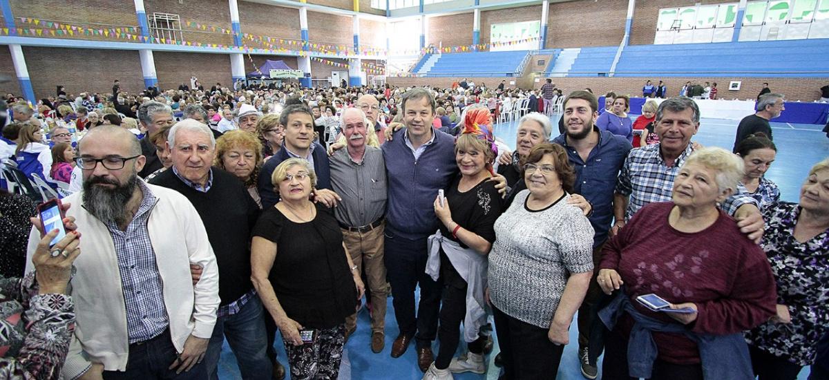 Cascallares celebró el día del jubilado junto a 2 mil adultos mayores
