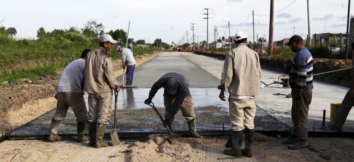 Arrancó la segunda etapa de la histórica pavimentación de la avenida Espora