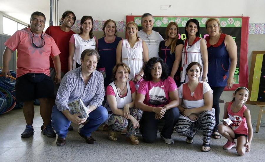 Entrega de equipamiento para las Escuelas Abiertas de Verano