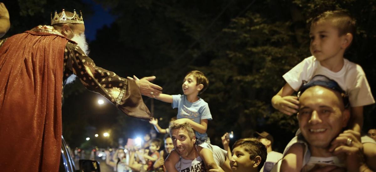 Los Reyes Magos recorrieron Alte. Brown llevando alegría a miles de niños