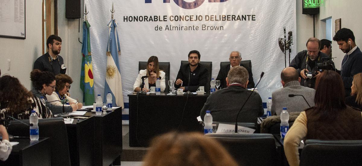 Se aprueba ordenanza que regula el uso de pirotecnia en el distrito