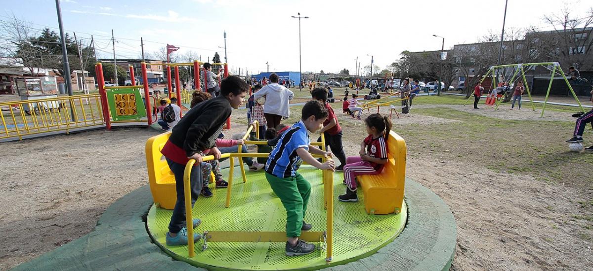 """Cascallares: """"Inauguramos la Plaza de los Abuelos y ya renovamos 70 espacios públicos"""""""