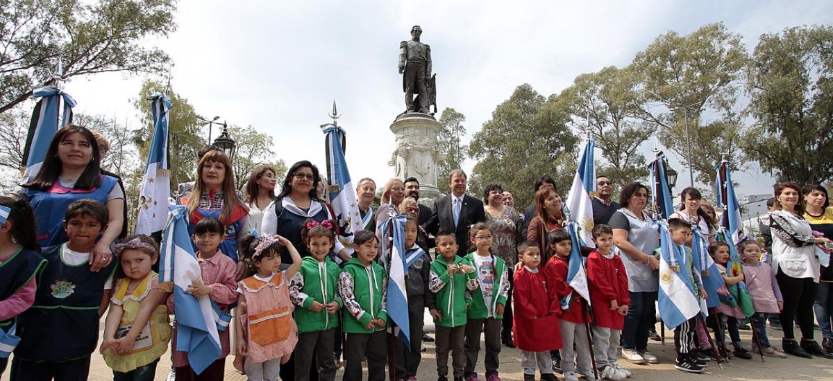 Vecinos e instituciones celebraron el 146º aniversario de Almirante Brown