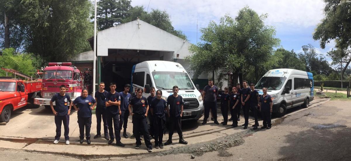El Municipio trasladó a cadetes de los Bomberos Voluntarios de Glew a Sierra de los Padres
