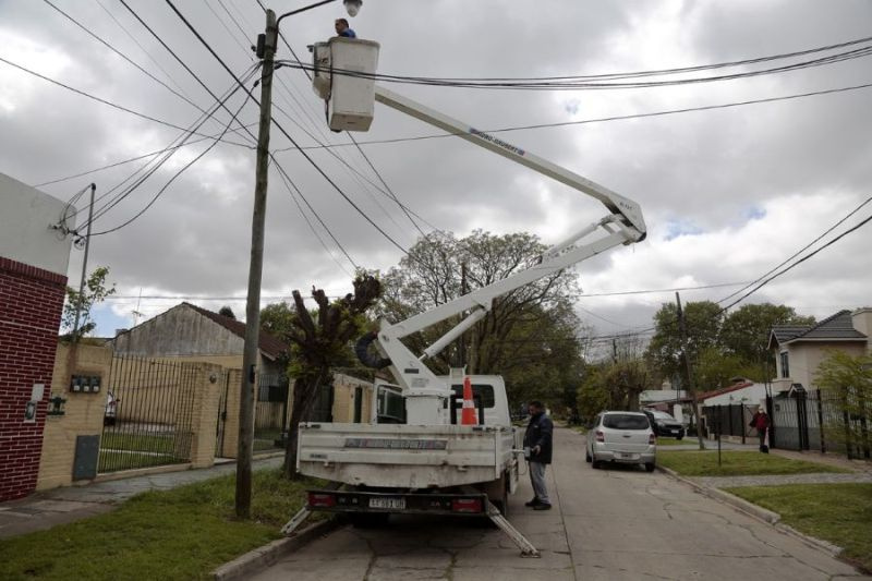 El municipio avanza con la instalación de miles de luces led