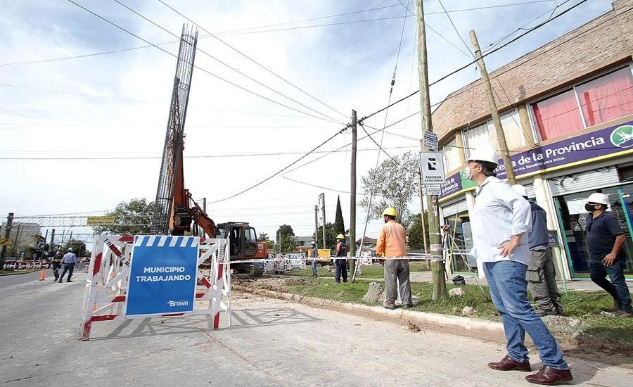 """Cascallares: """"Arrancó la histórica construcción del paso bajo nivel en la avenida San Martín"""""""