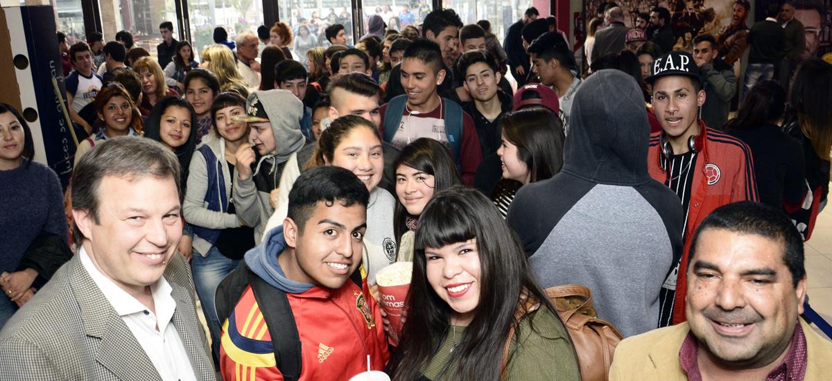 Estudiantes de Brown disfrutaron de una jornada de cine gratis