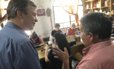 Cascallares visitó obra que realizó el municipio en taller protegido de Claypole