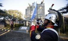 Emotivo homenaje a Belgrano en el primer monumento a la bandera de la Argentina
